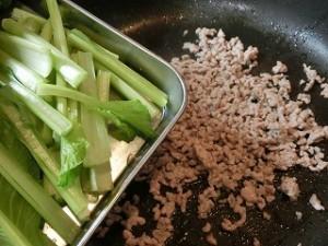キューピー3分クッキングの小松菜とエリンギのオイスターソース炒め