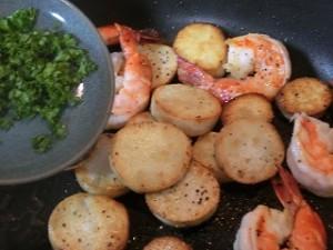 ノンストップ!の里芋と海老のガーリックソテー