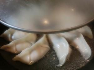 いっぷく!まんぷくキッチンの保存版!パリパリジューシー焼き餃子